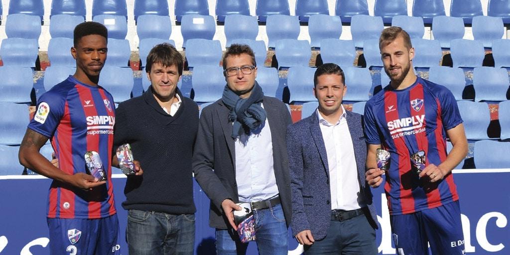 La SD Huesca pisará y se protegerá una temporada más con Podoactiva